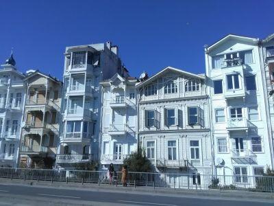 Med utsikt över Bosporen, i Arnavutköy...