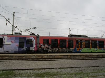 Klotter - förstörelse av annans eller allmän egendom - är rätt vanligt i Slovenien. Ingen vacker syn.