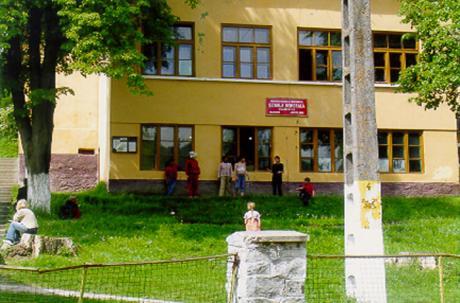 Skolan i Mălâncrav/Malmkrog.