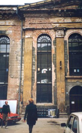 Synagogan Pod Białym Bocianem (Under den vita storken), 1827-29. Arkitekt: Carl Ferdinand Langhans (1781-1869), son till Carl Gotthard Langhans som är mest känd för att ha ritat Brandenburger Tor i Berlin.