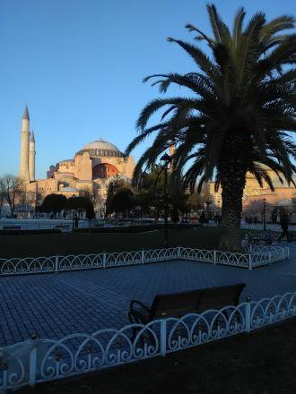 Hagia Sofia sedd från Kabasakal Cad - Dalbastı Sokak.