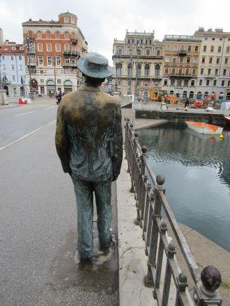 James Joyce på väg över Canal Grande.