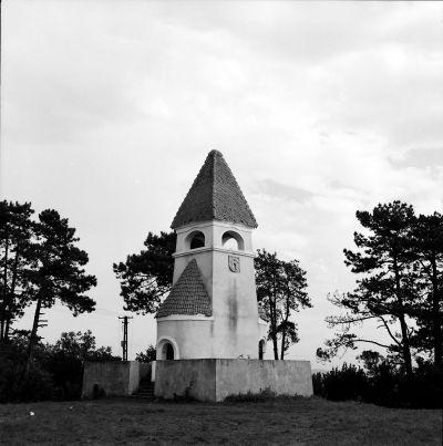 Studentendenkmal i Marienburg, en kyrkborg i miniatyr.
