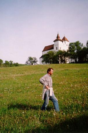 Herina (Mönchsdorf), romansk kyrka byggd av siebenbürgensachsarna 1250-1260. På vägen mellan Bistriţa och Sighişoara.: undefined