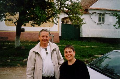Ulf tillsammans med borgmästaren i Deutsch-Weisskirch, Caroline Fernolend.