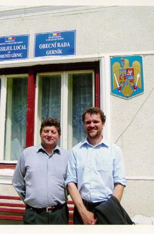 Gerniks vice borgmästare och jag. Foto: Ulf Irheden.